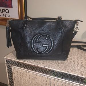 GUCCI Black Pebbled Leather Soho Crossbody Tote